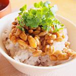 納豆の食べすぎに注意!腸で納豆菌が増えすぎた結果、腹痛で倒れた人がいた