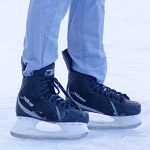 スケートで転びそうになった途端に面白いステップを踏んだ動画に爆笑w