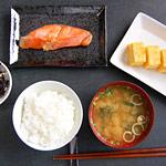 すき家とおそ松さんコラボカフェの朝食メニューの価格差がやばい!