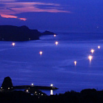 函館で発生した漁火光柱が綺麗!年に一度見れるか見れないかの美しさ