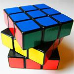 レゴの機械でルービックキューブを揃える動画がすごすぎ!最後は完成させていて天才的